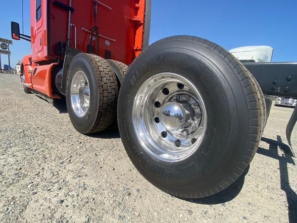 KENWORTH T680 Tandem Axle Sleeper